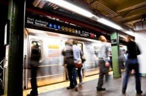 Abogados de accidentes de tren y autobús en Nueva York